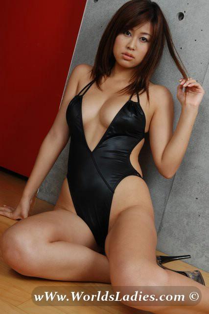 Airi Nagasaku Photo Gallery