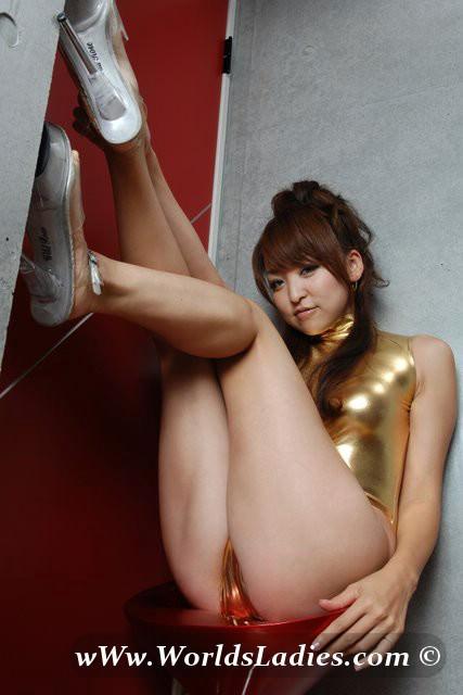 Akane Fujisaki Photo Gallery