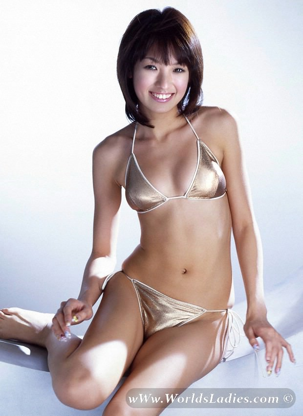 Akina Minami Photo Gallery