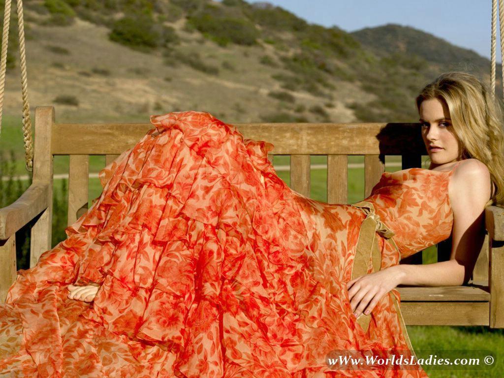 Alicia Silverstone Photo Gallery