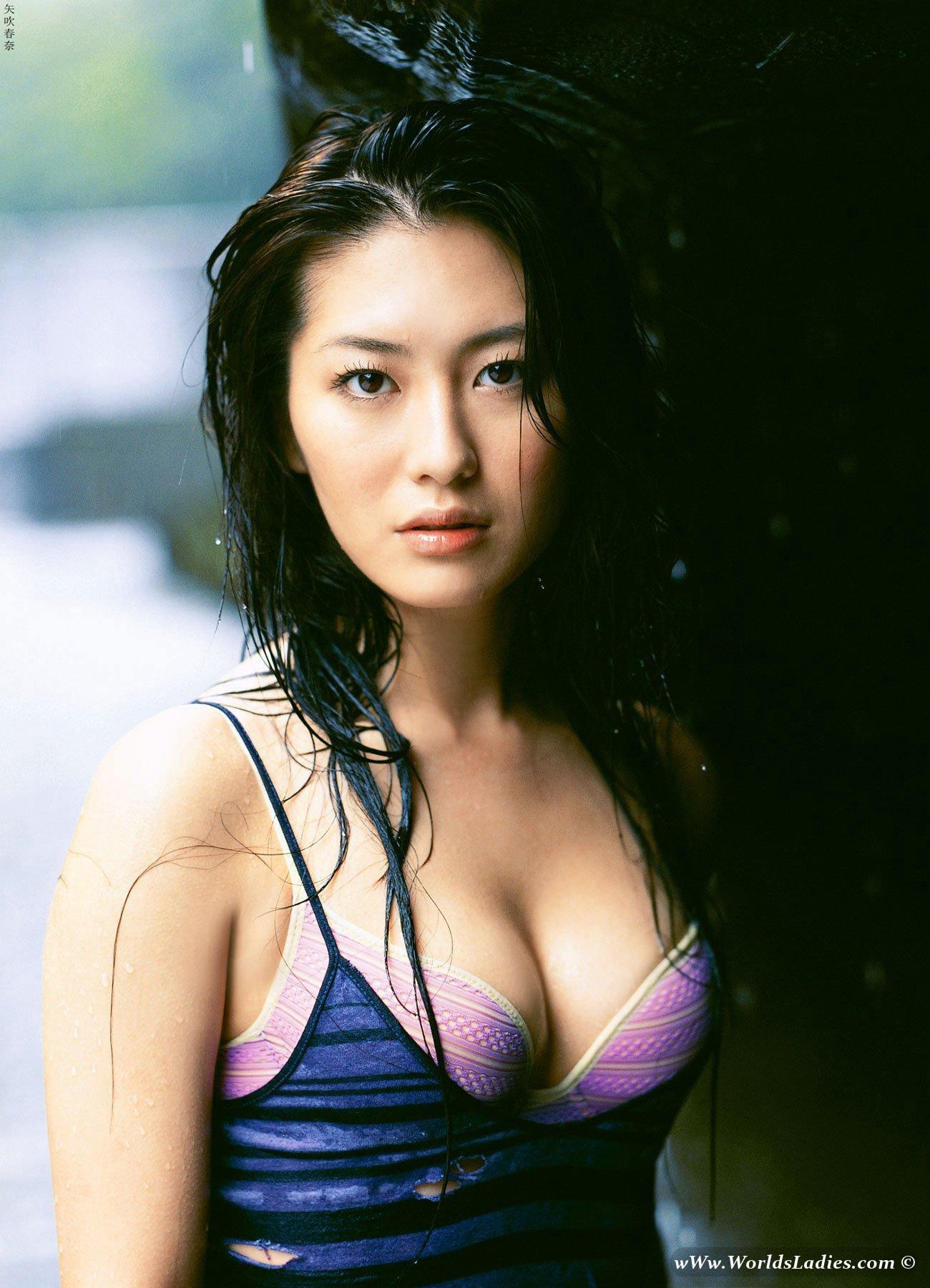 Haruna Yabuki Photo Gallery