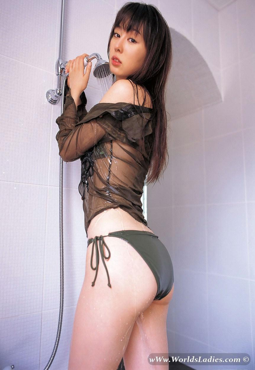 Rina Akiyama Photo Gallery