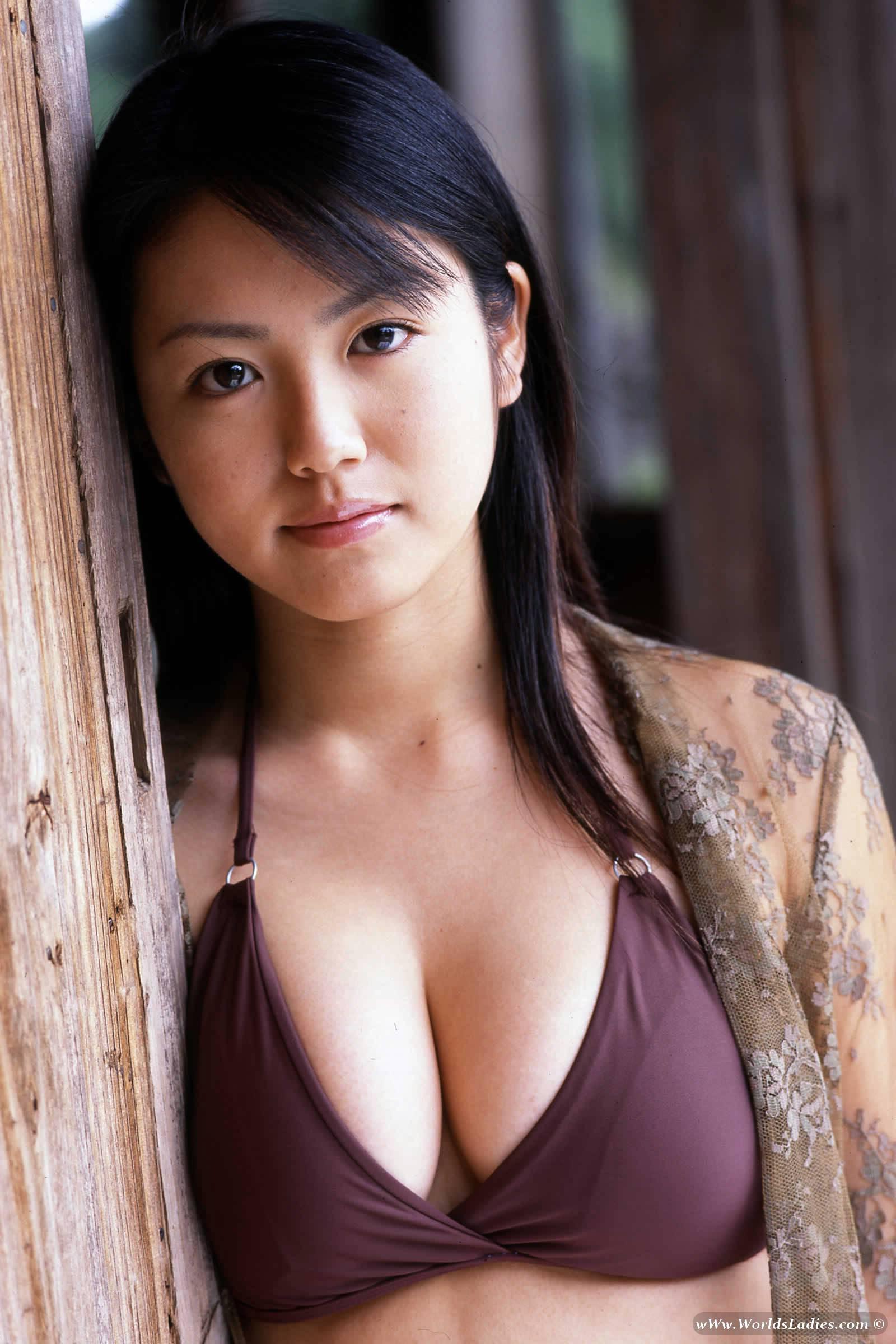Sayaka Isoyama Photo Gallery