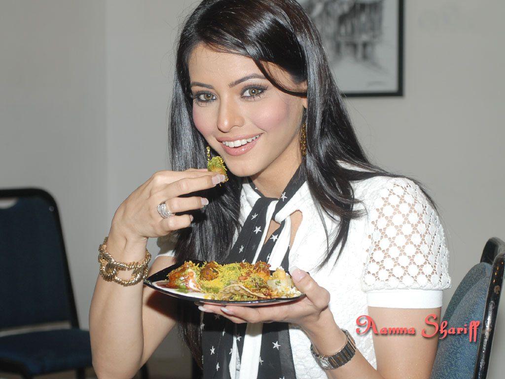 Aamna Sharif Photo Gallery