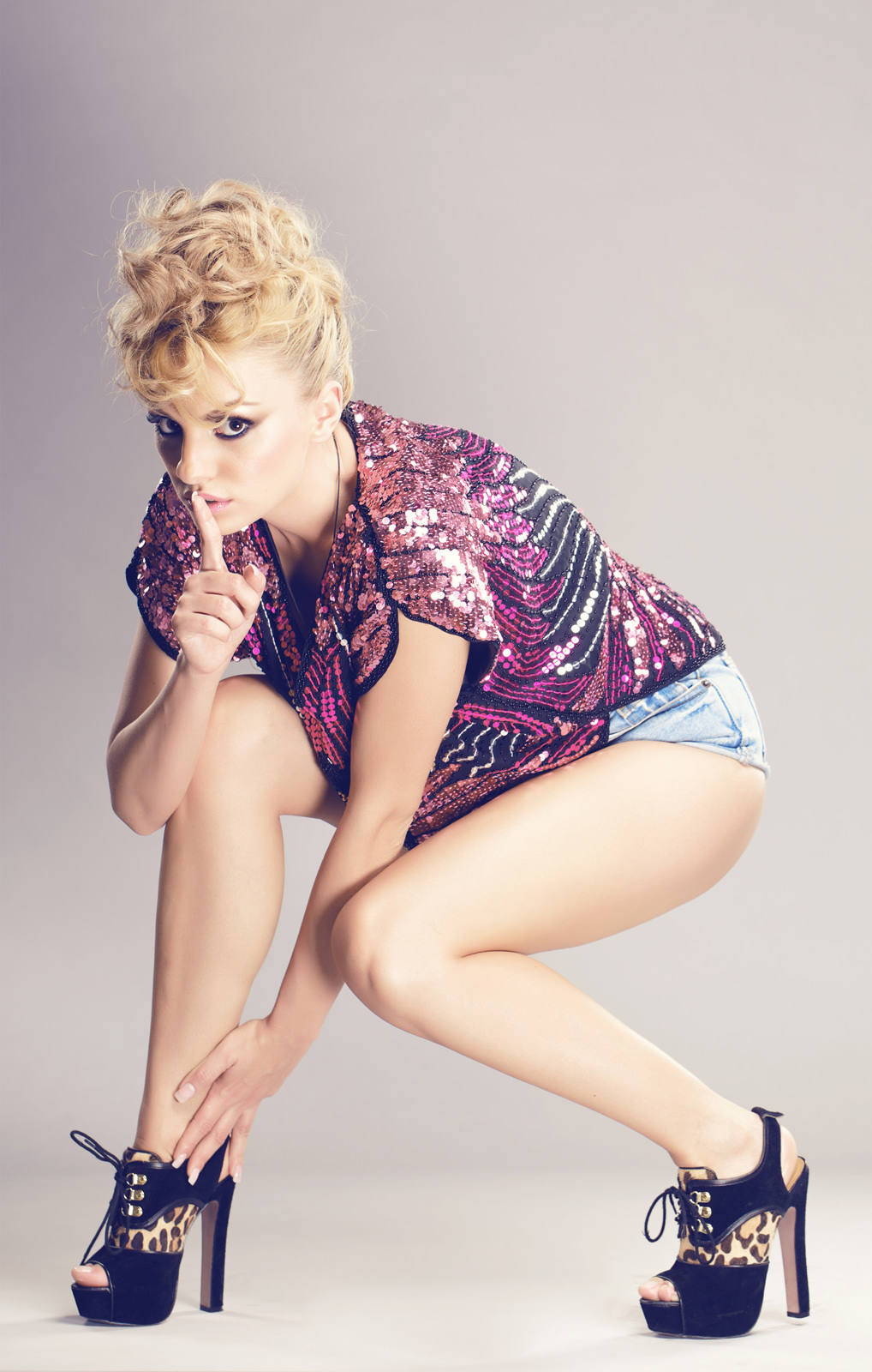 Alexandra Stan Photo Gallery