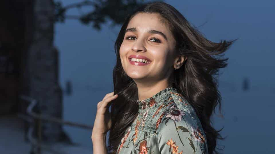 Bollywood Actress Alia Bhatt Best New Video Gallery