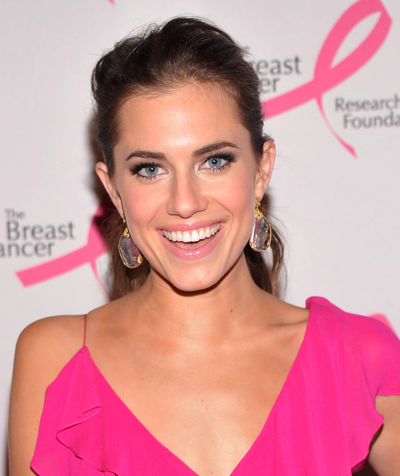 Allison Williams Photo Gallery