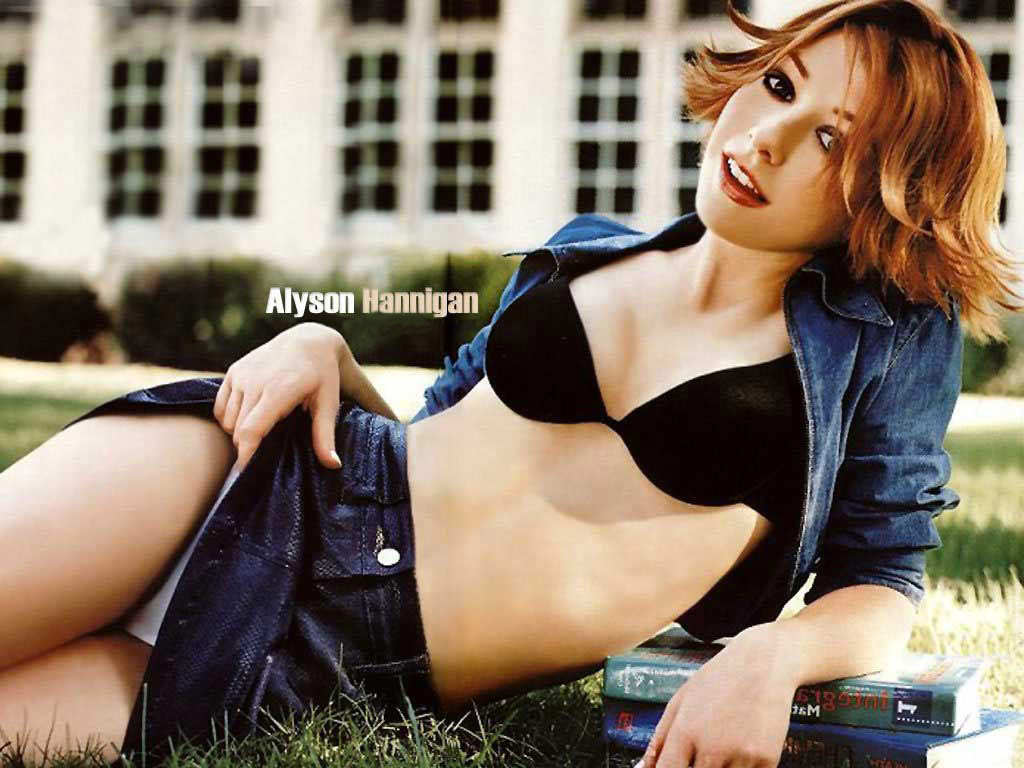 Alyson Lee Hannigan Photo Gallery