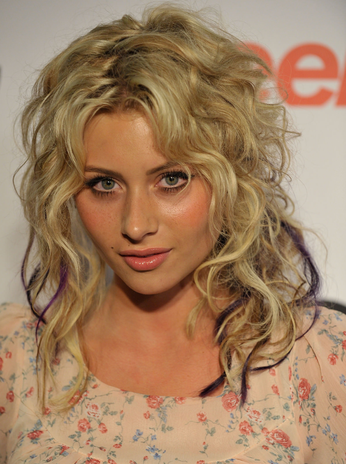 Alyson Michalka Photo Gallery