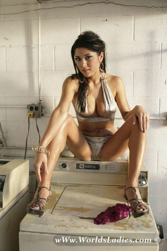 Arianny Celeste Photo Gallery