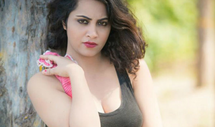 Bollywood Actress Arshi Khan Best New Video Gallery