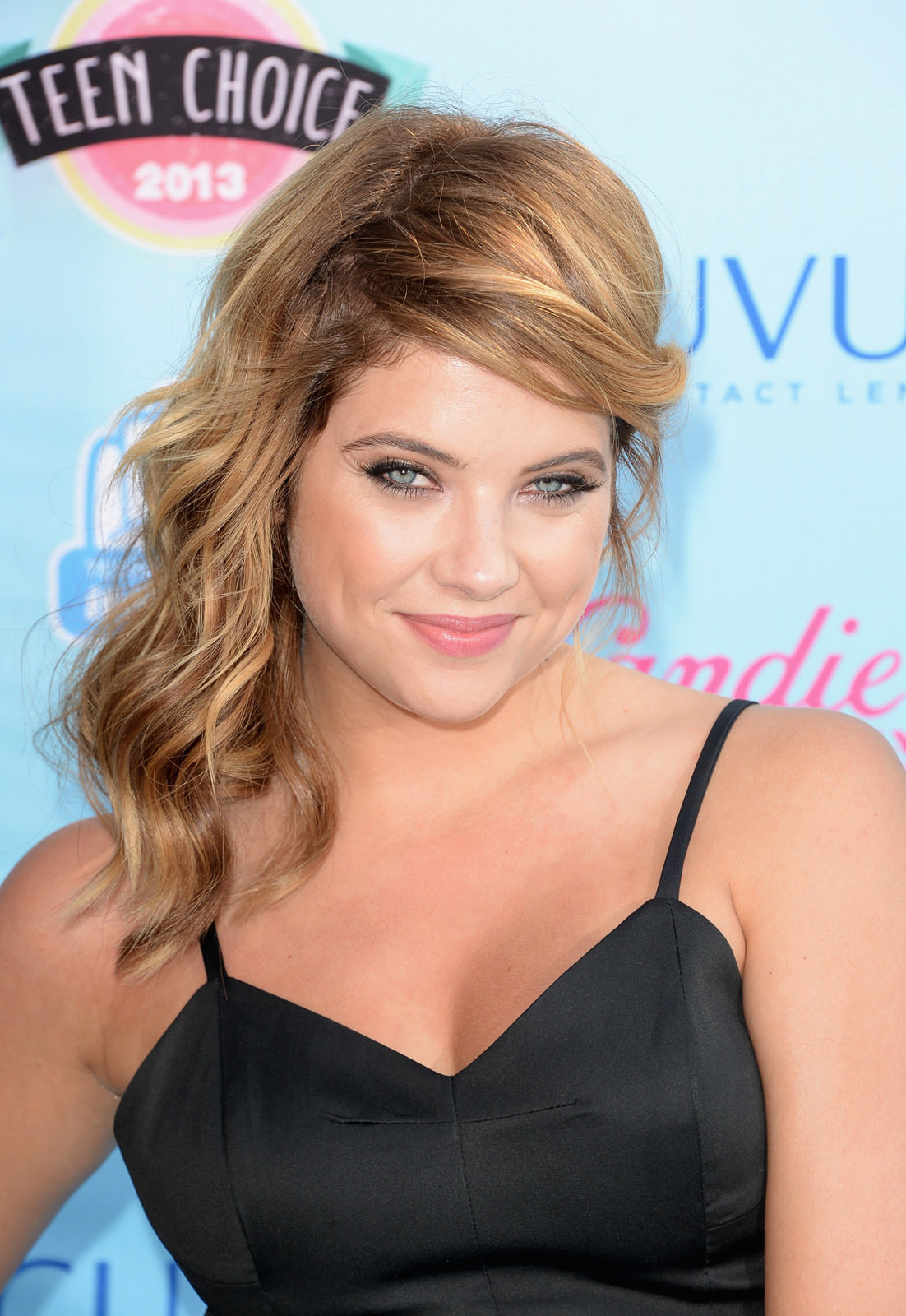 Ashley Benson Photo Gallery