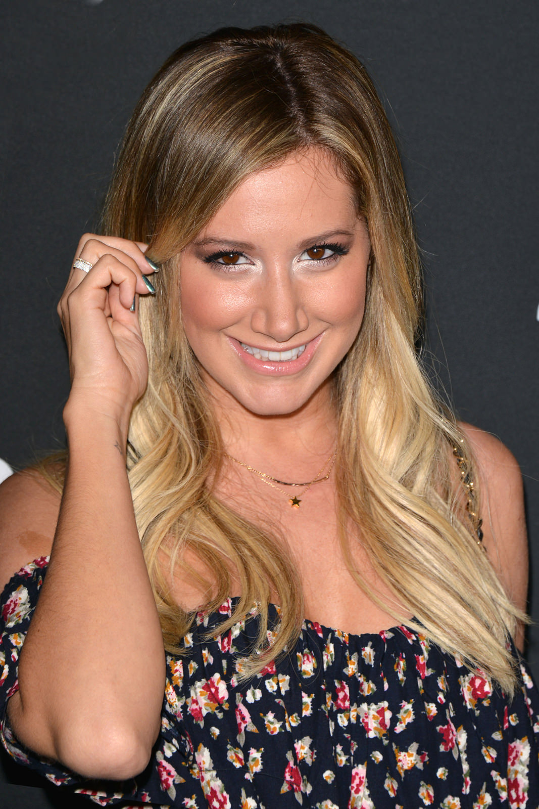Ashley Tisdale Photo Gallery