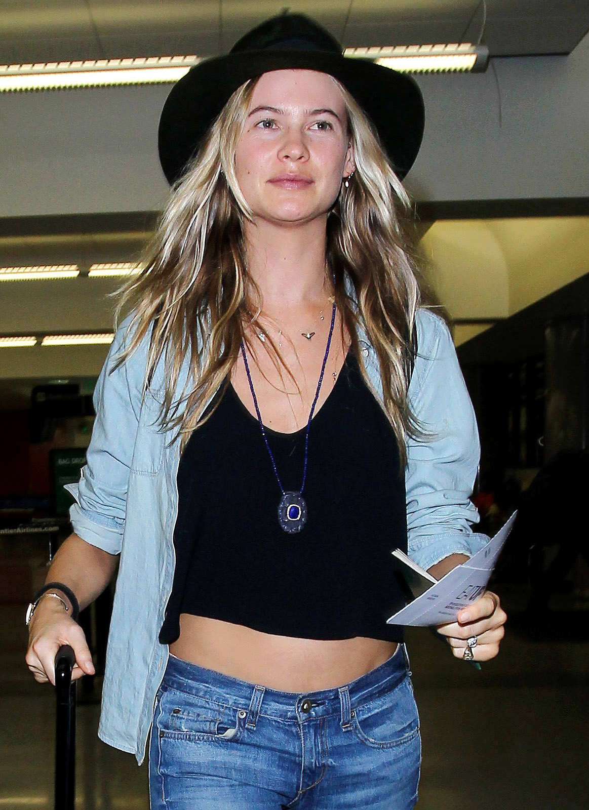 Behati Prinsloo Photo Gallery