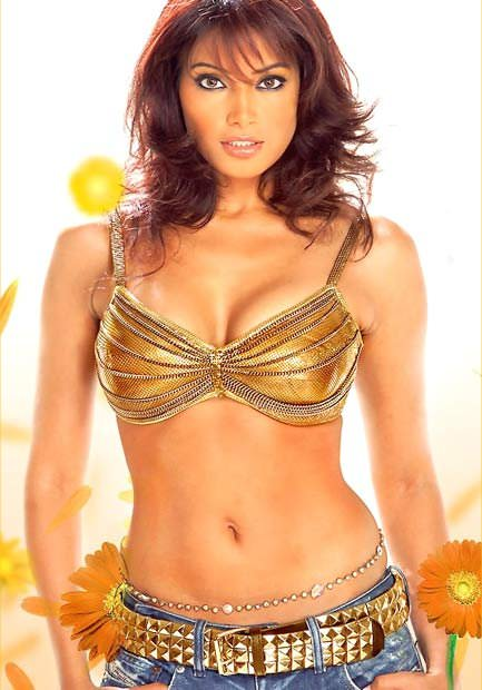 Bipasha Basu Photo Gallery