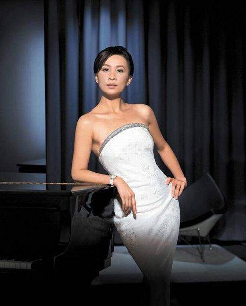 Carina Lau Photo Gallery