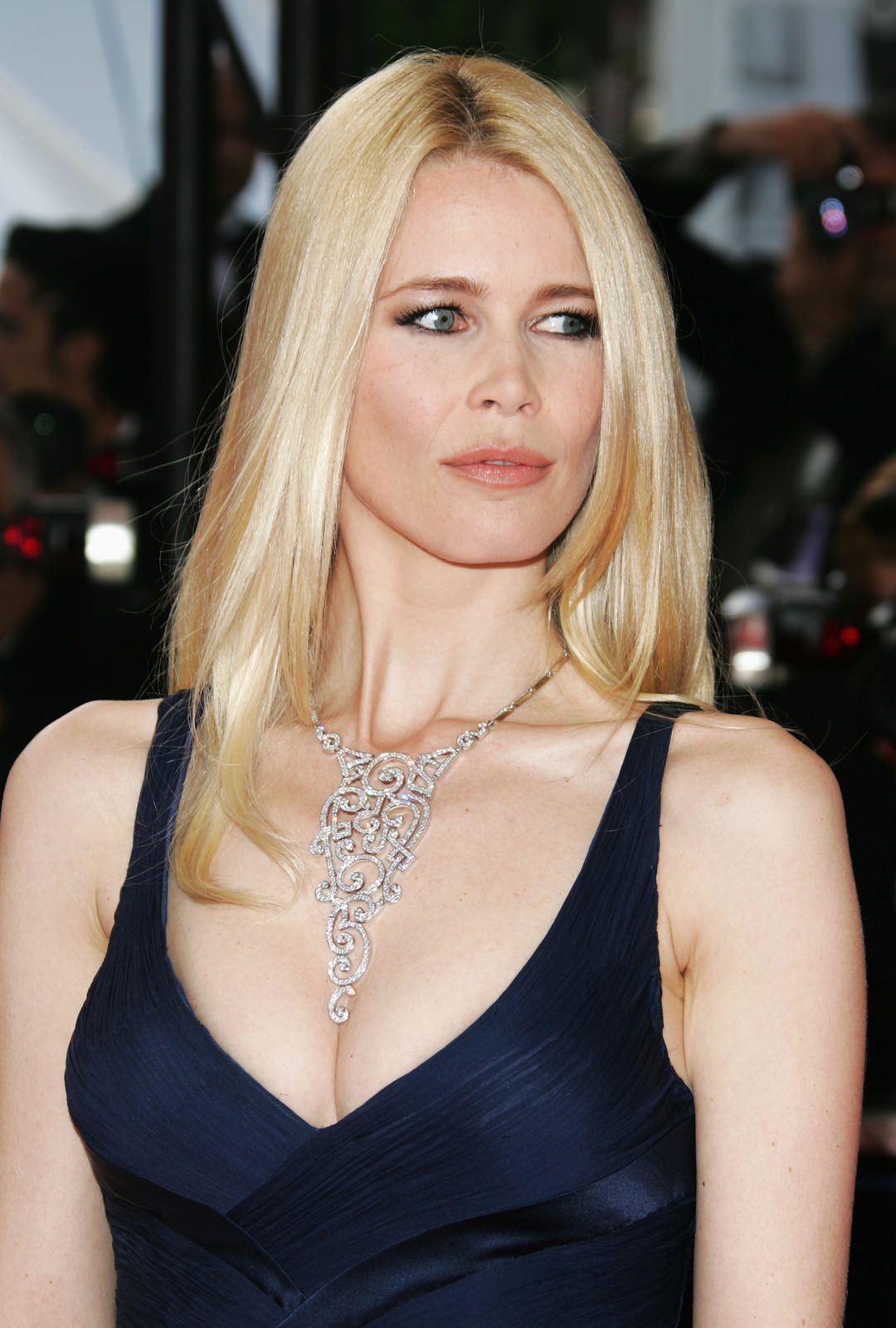 Claudia Schiffer Photo Gallery