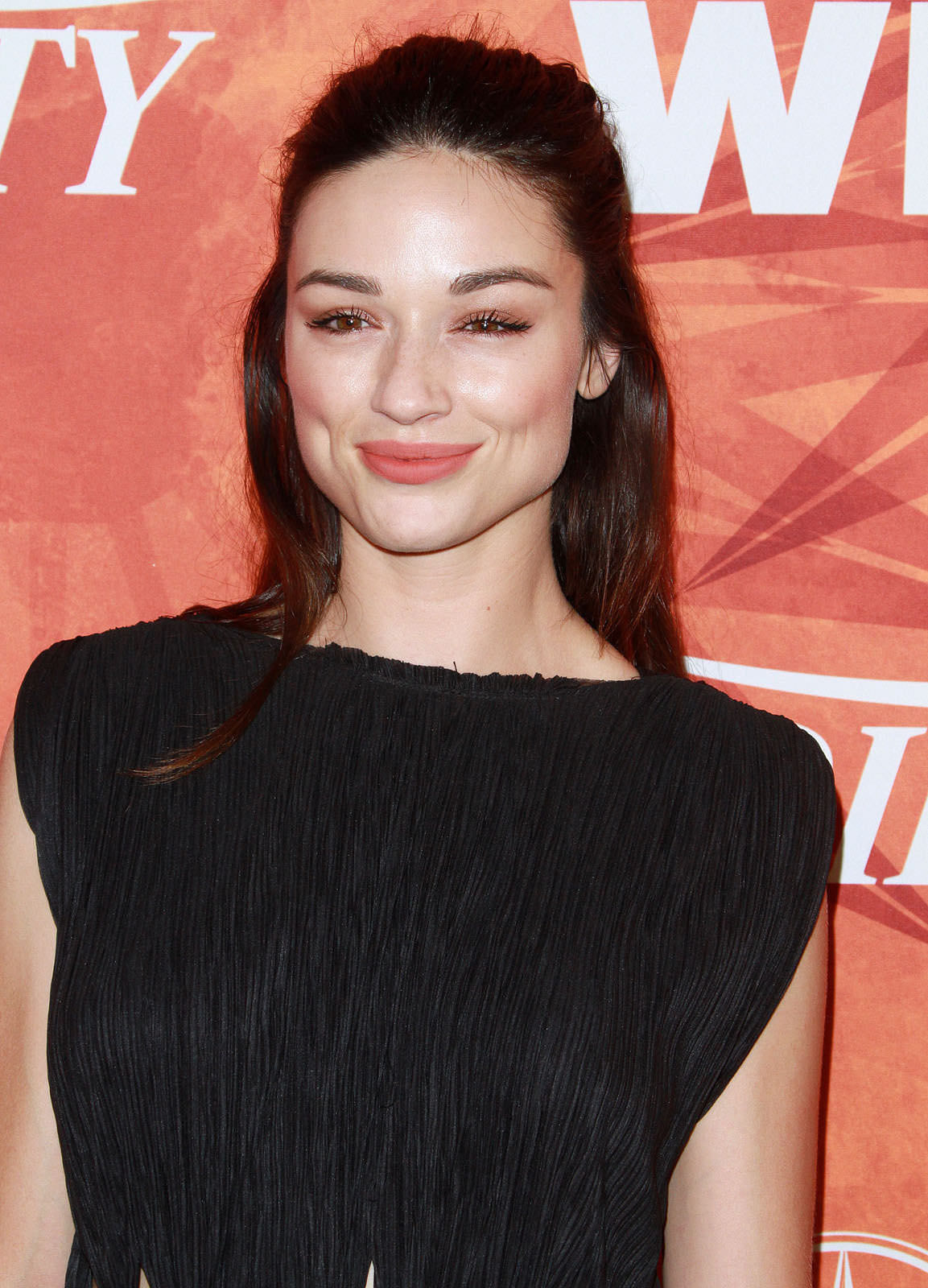 Crystal Reed Photo Gallery
