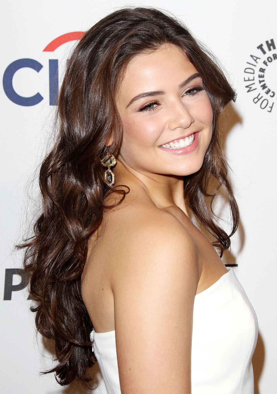Danielle Campbell Photo Gallery