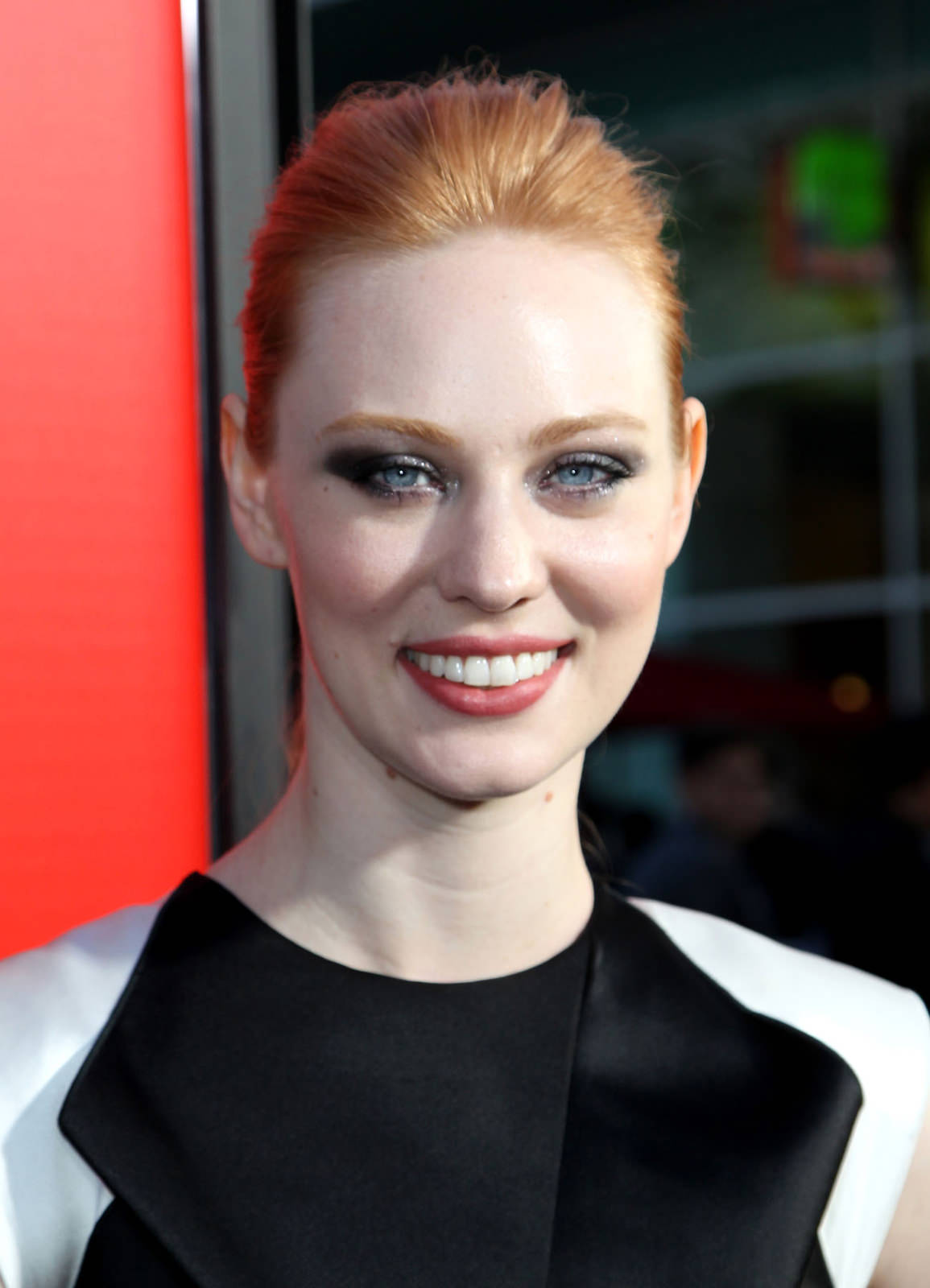 Deborah Ann Woll Photo Gallery
