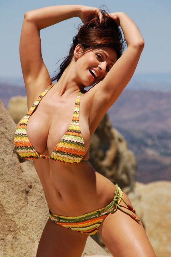 Denise Milani Photo Gallery
