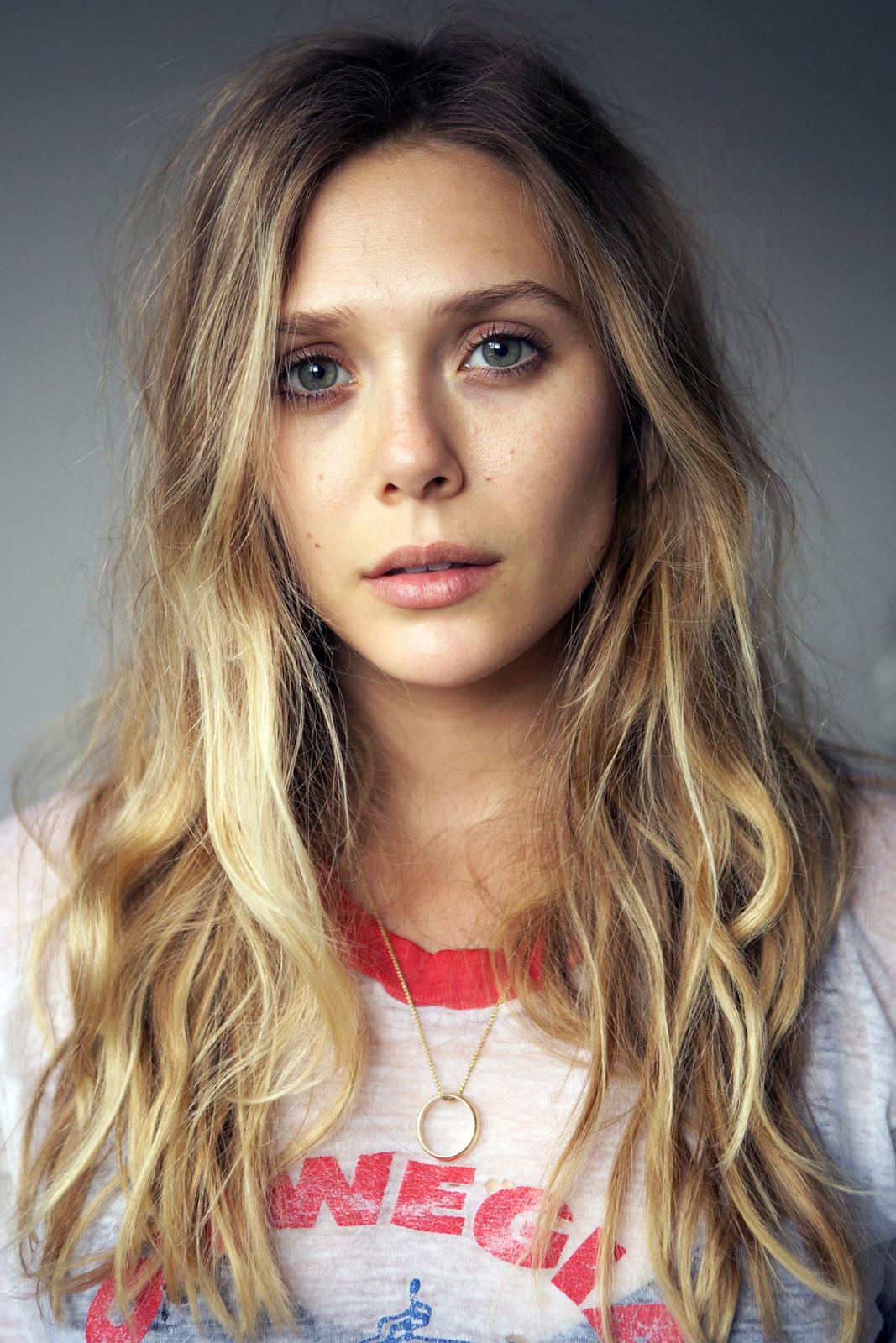 Elizabeth Olsen Photo Gallery
