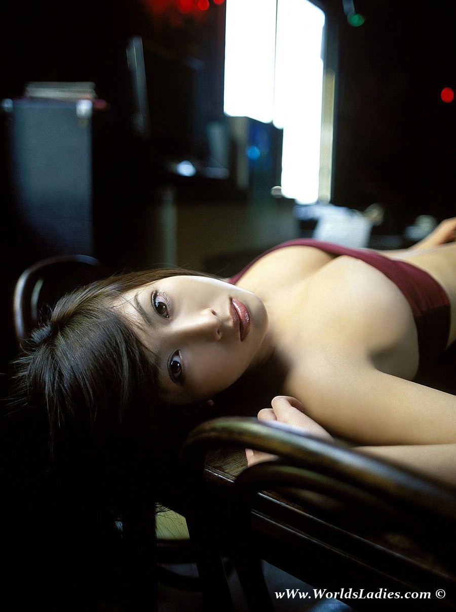 Emi Kobayashi Photo Gallery