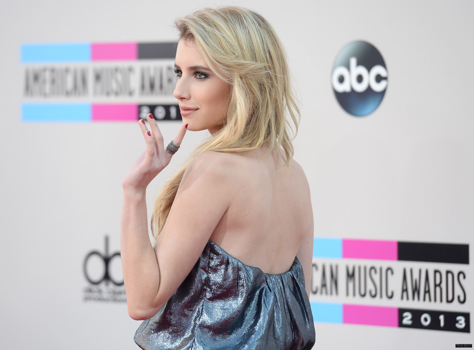Emma Roberts Photo Gallery