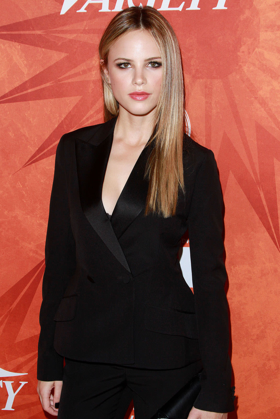 Halston Sage Photo Gallery