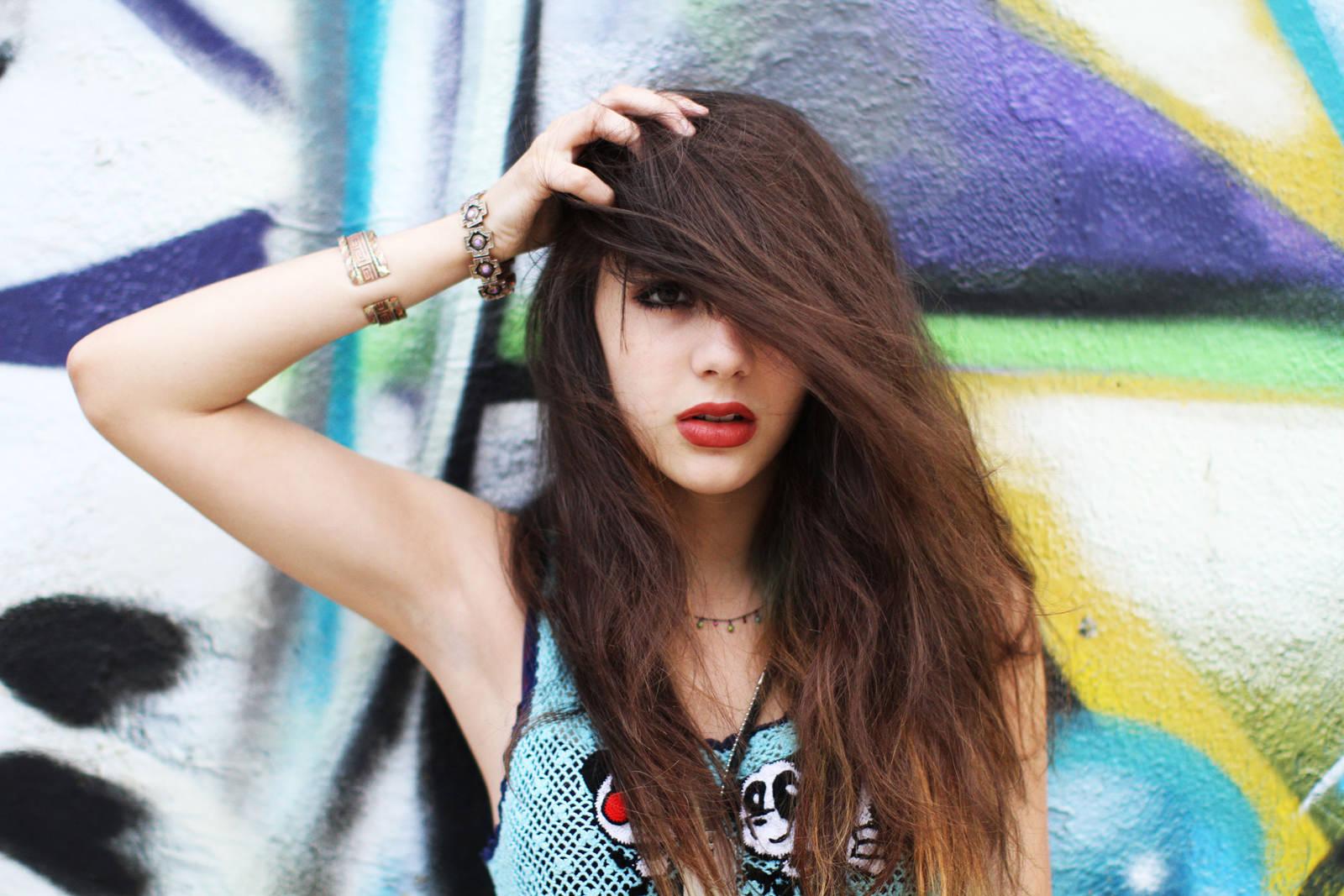 Hannah Marks Photo Gallery