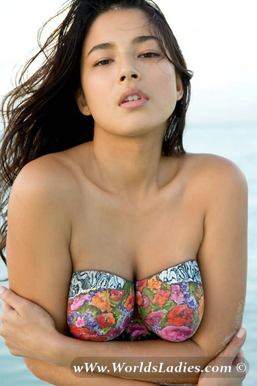 Jessica Gomes Photo Gallery