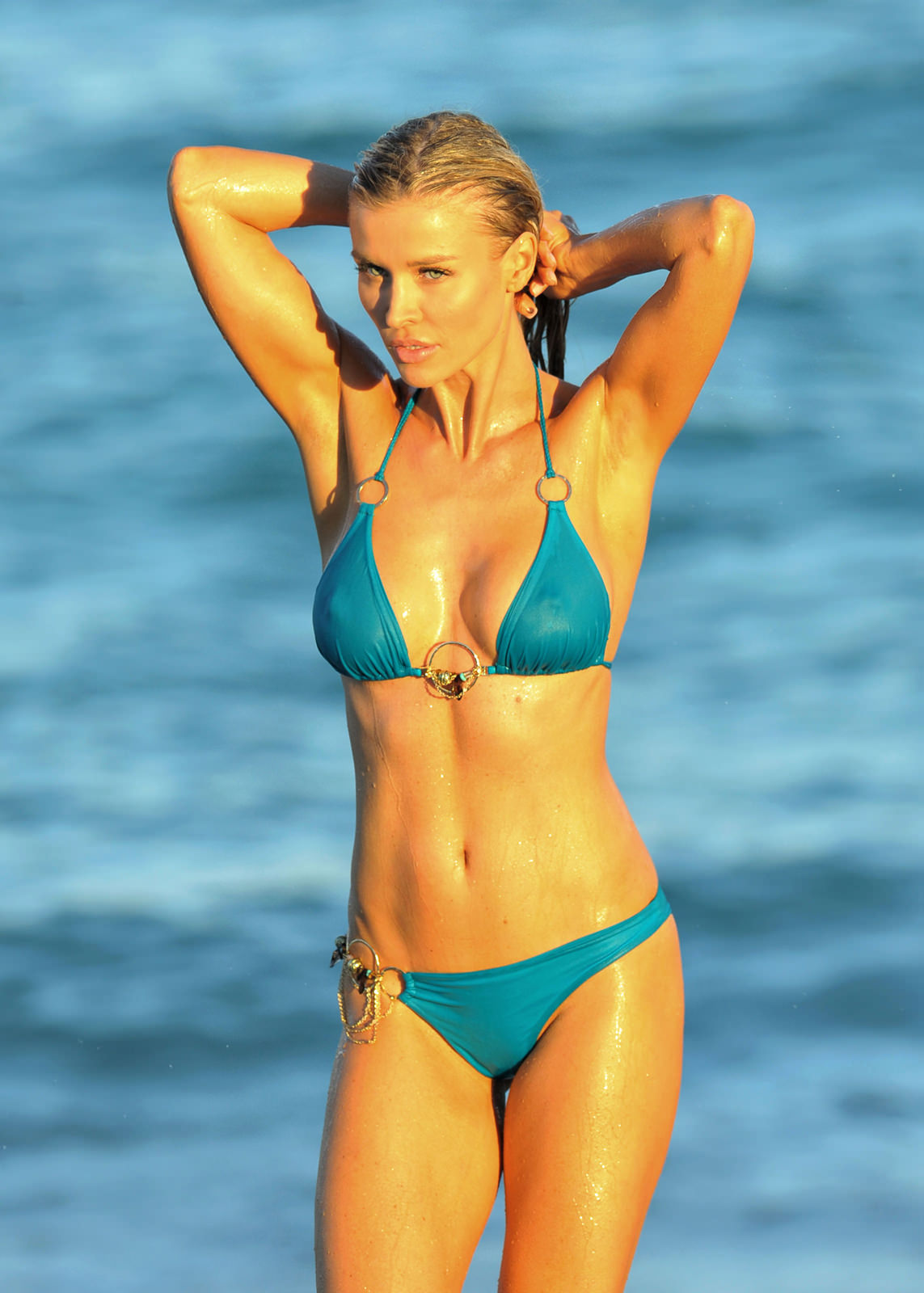 Joanna Krupa Photo Gallery