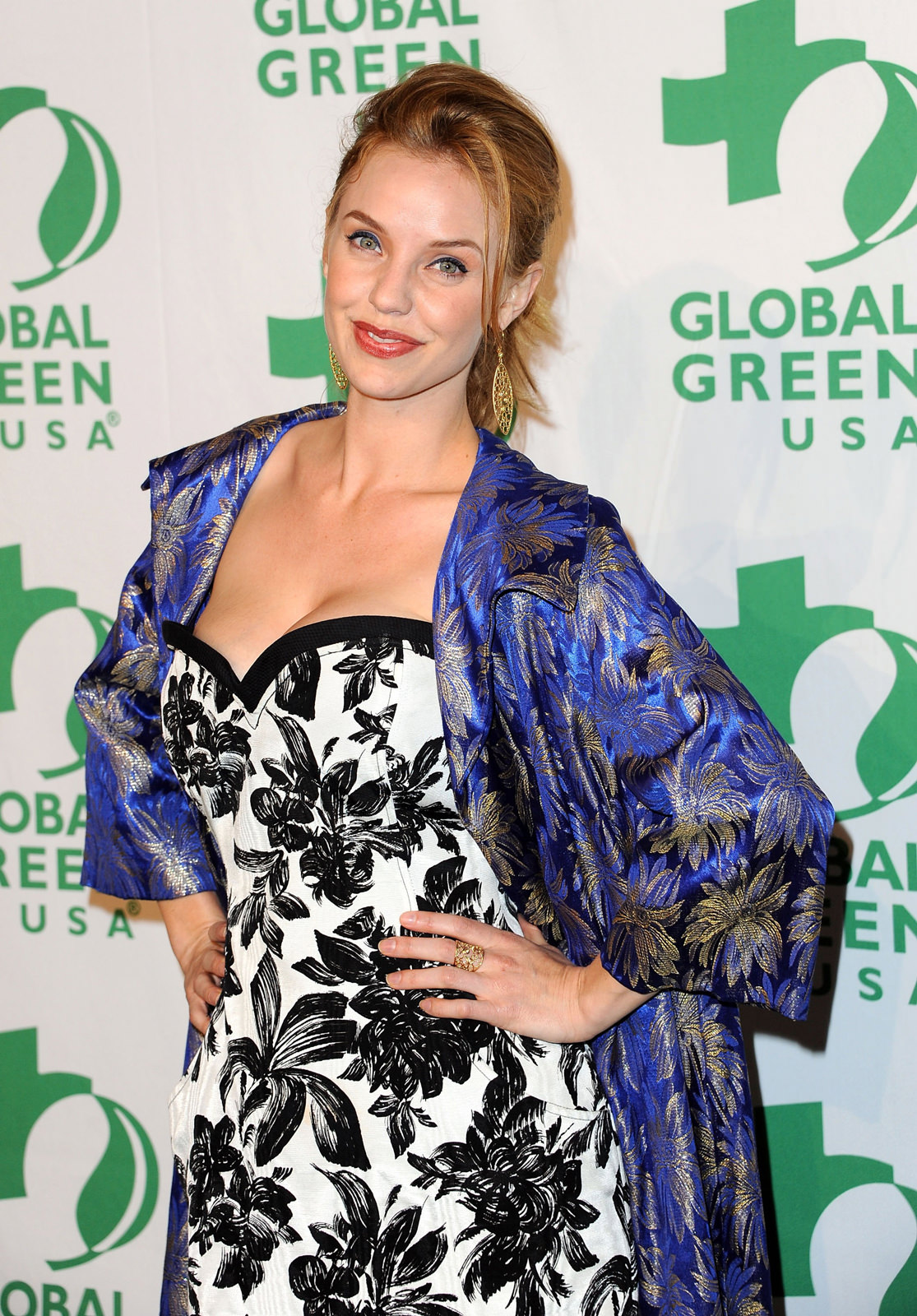 Kelli Garner Photo Gallery