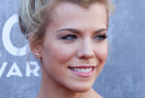Kimberly Perry Photo Gallery
