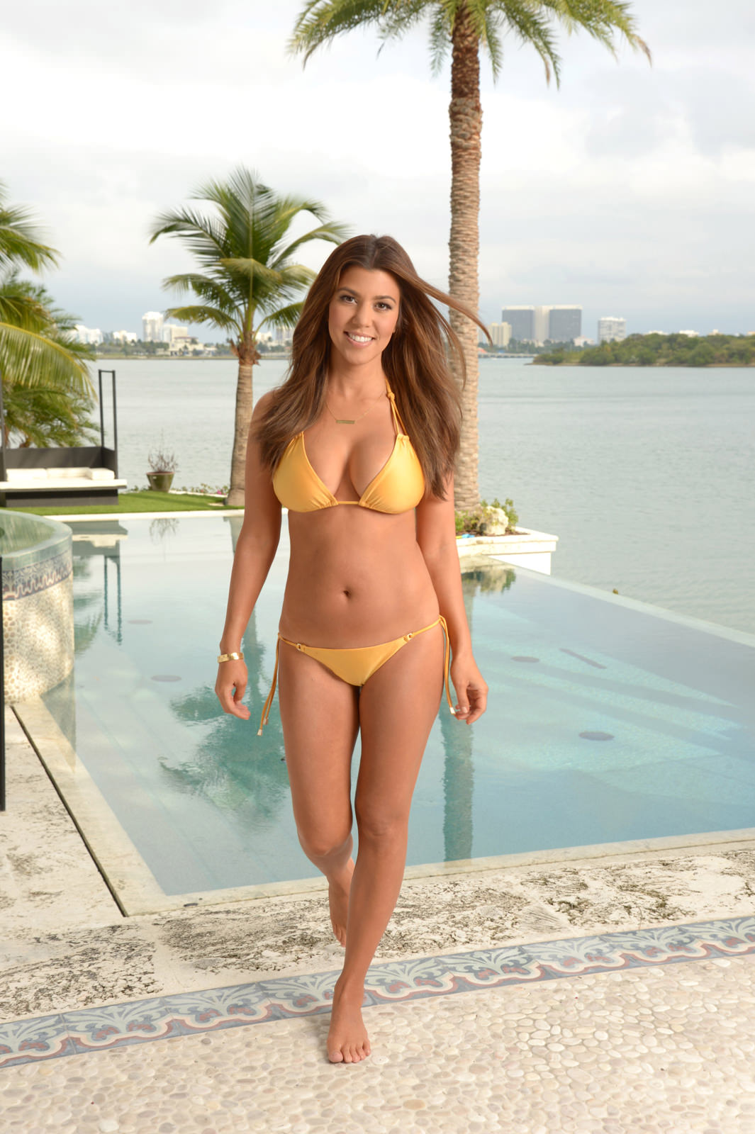 Kourtney Kardashian Photo Gallery