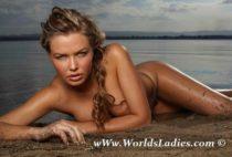 Lara Bingle Photo Gallery