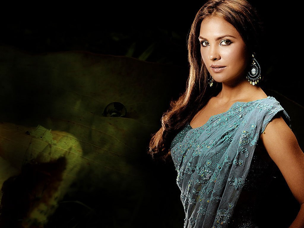 Lara Dutta Photo Gallery