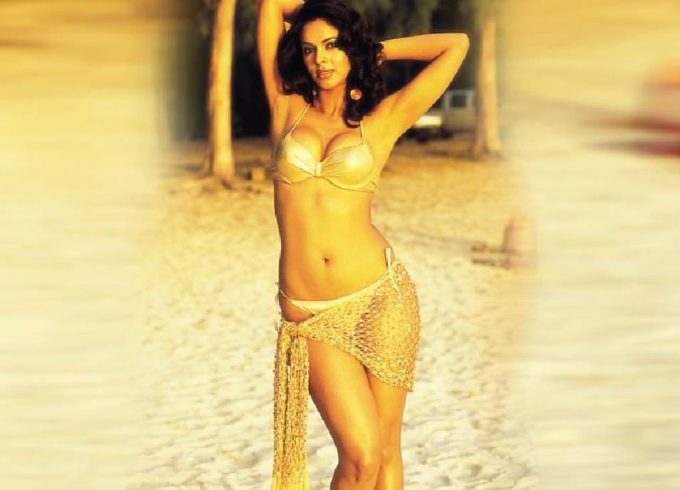 Mallika Sherawat Photo Gallery