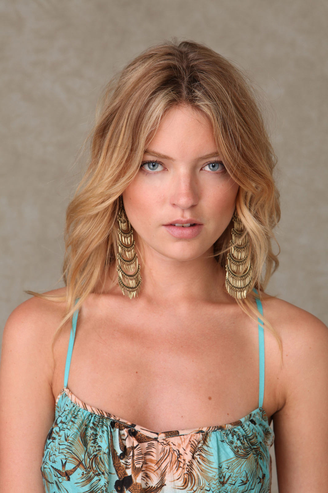 Martha Hunt Photo Gallery