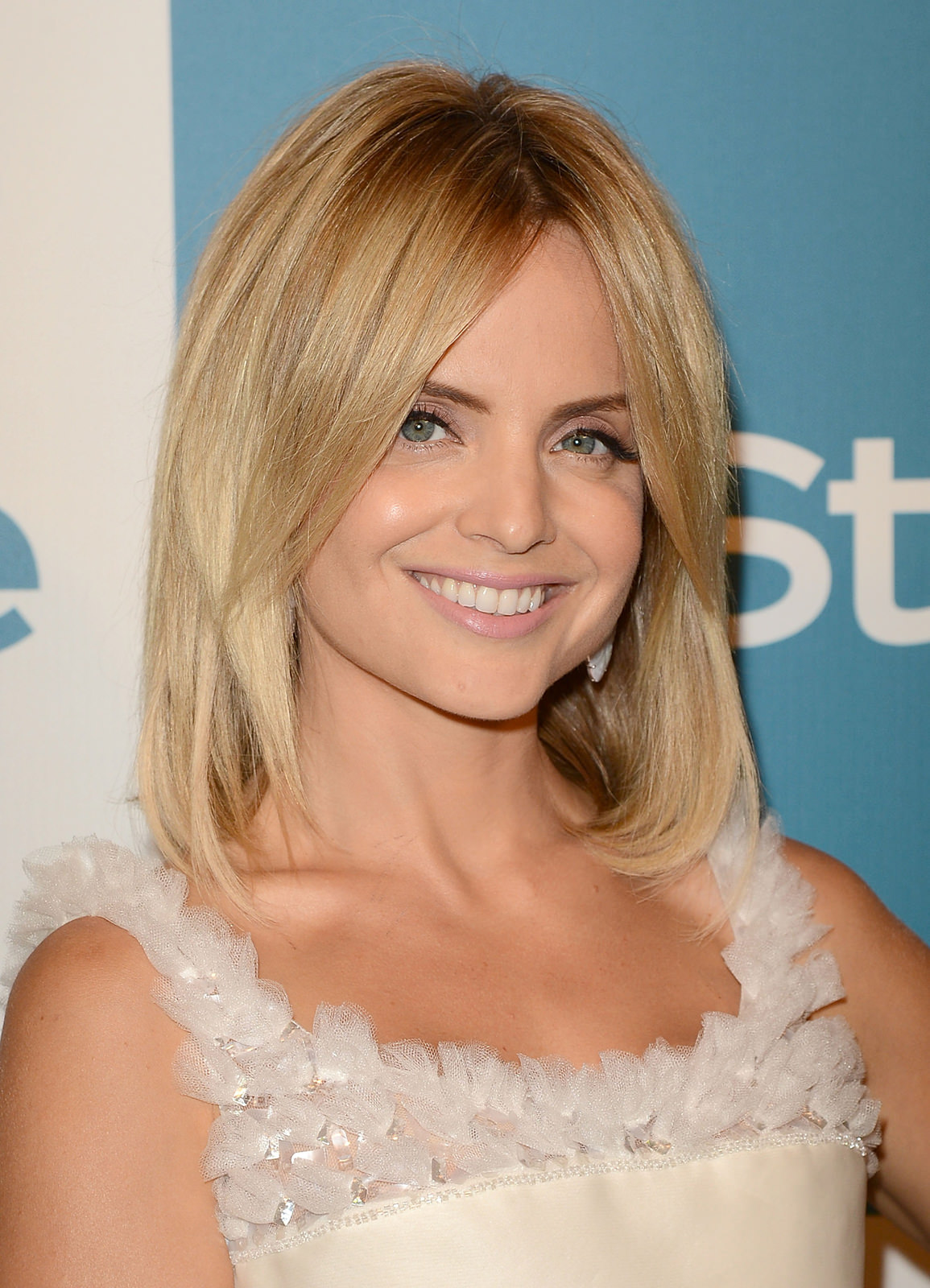 Mena Suvari Photo Gallery
