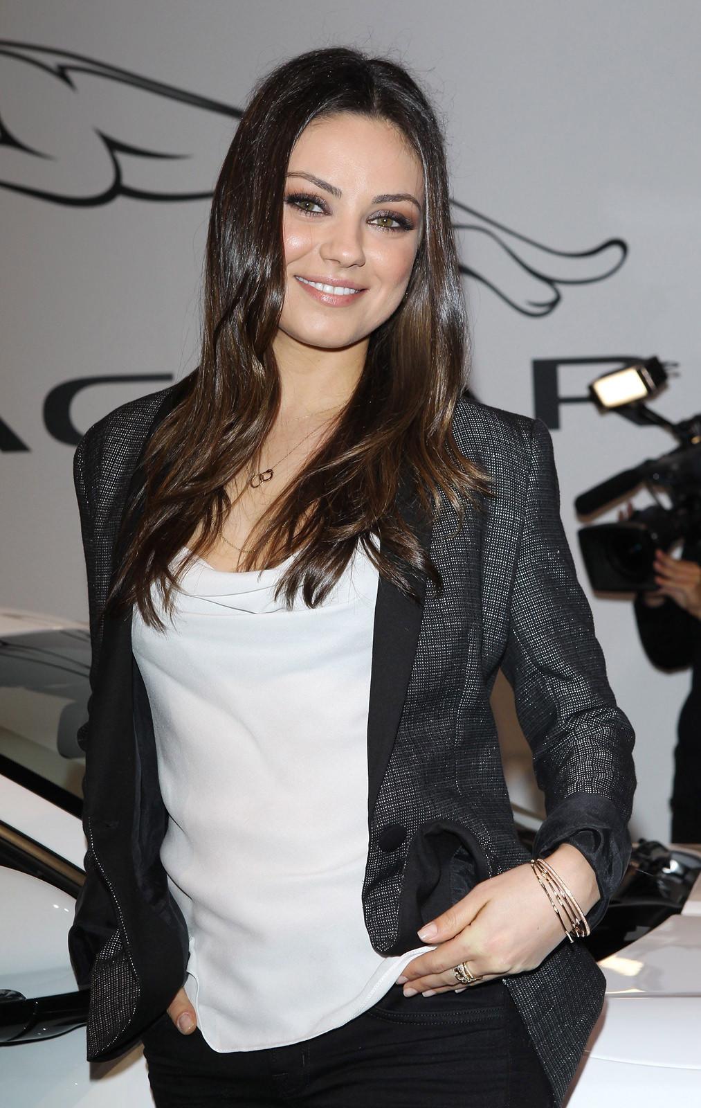 Mila Kunis Photo Gallery