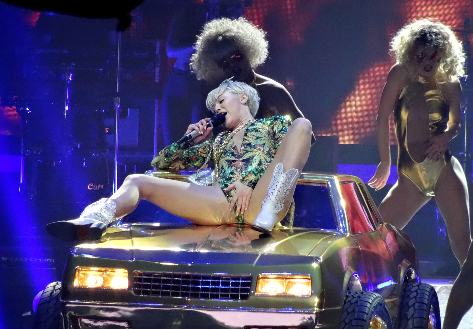 Miley Cyrus Photo Gallery