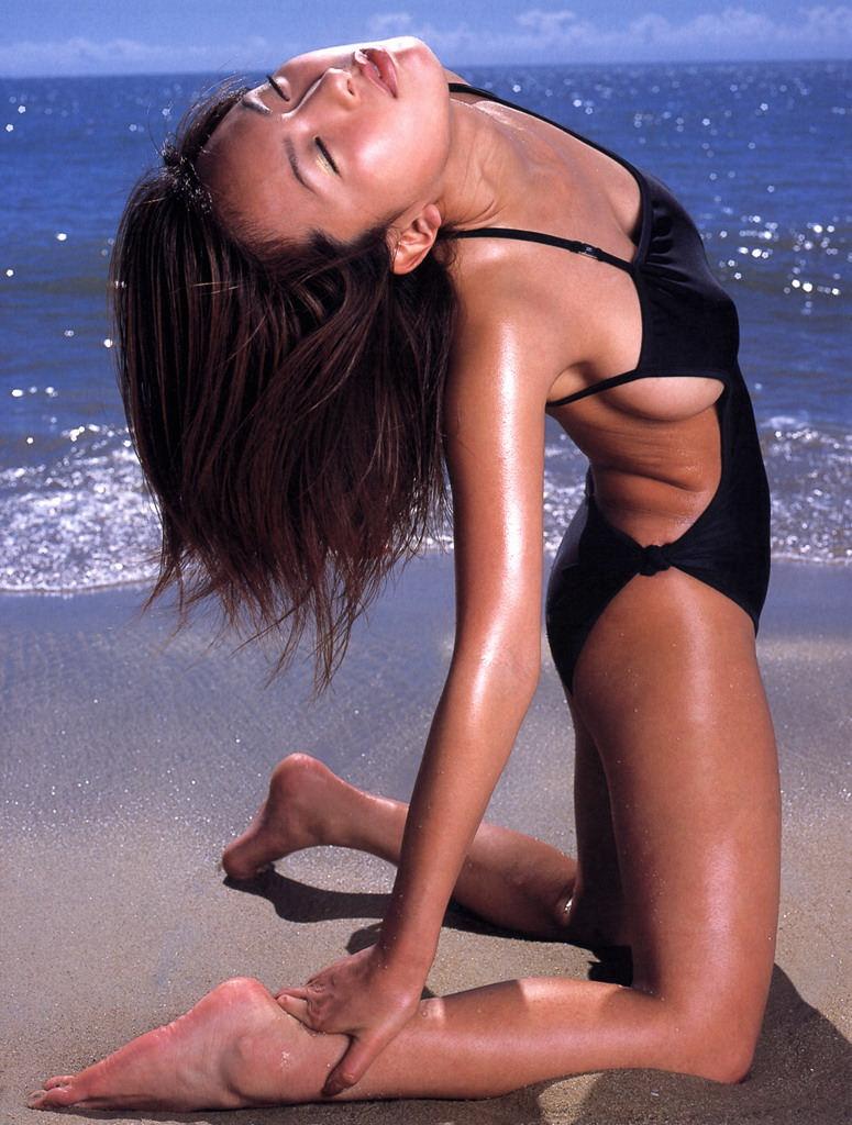 Mira Oshiro Photo Gallery