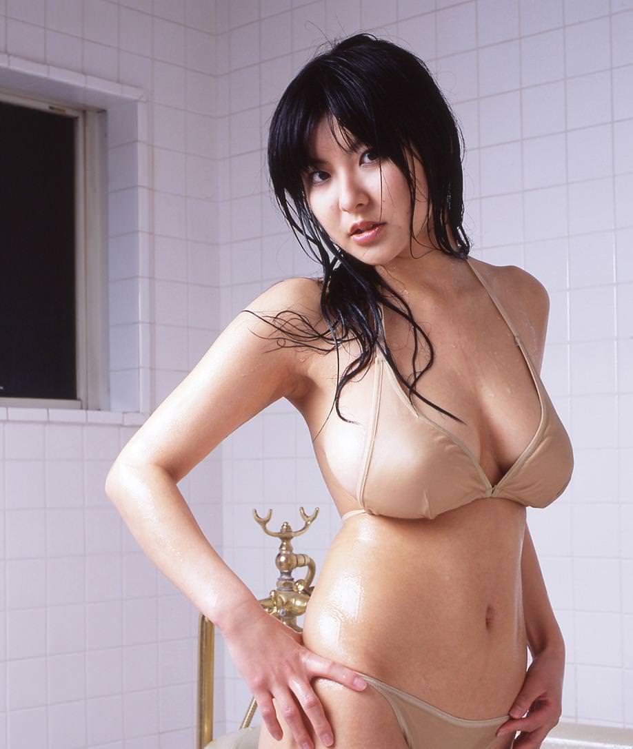 Miri Hanai Photo Gallery