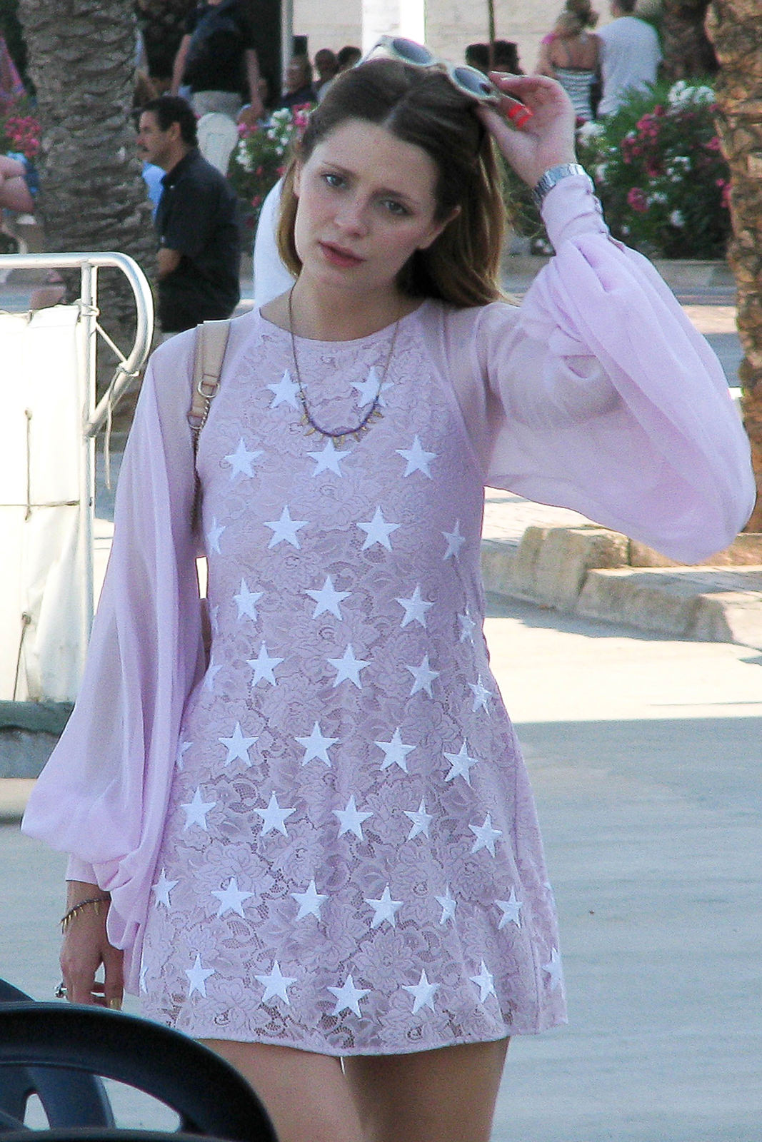 Mischa Barton Photo Gallery
