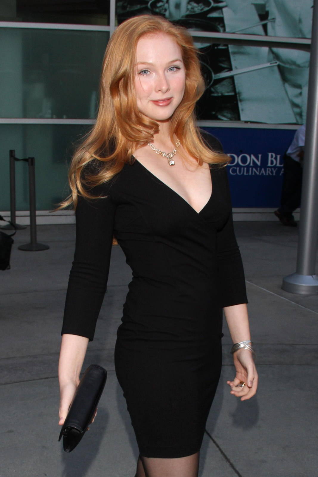 Molly Quinn Photo Gallery