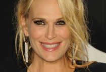 Molly Sims Photo Gallery