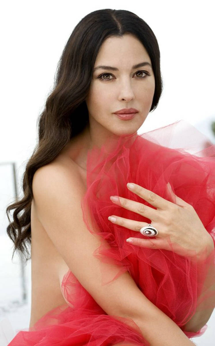 Monica Bellucci Photo Gallery