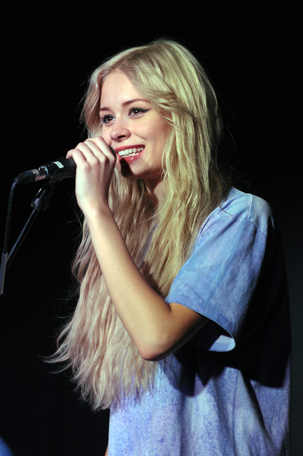 Nina Nesbitt Photo Gallery