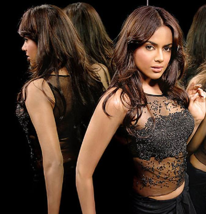 Sameera Reddy Photo Gallery